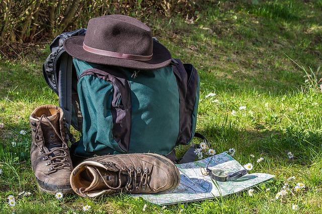hiking-1312226_640-2