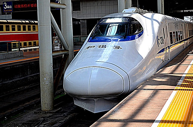 train-215774_640