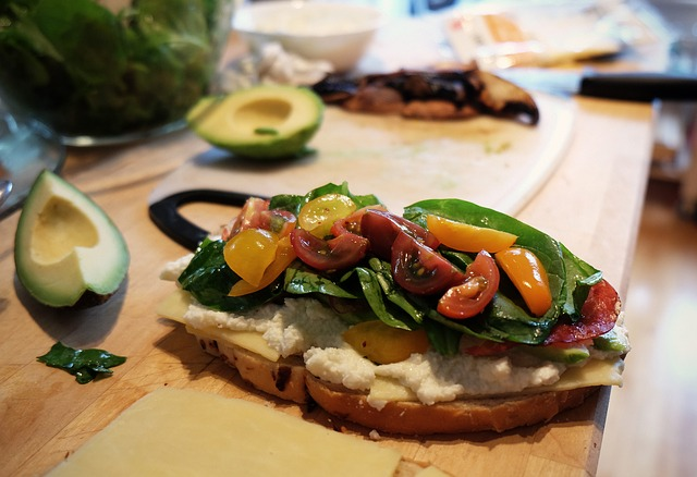 sandwich-498379_640
