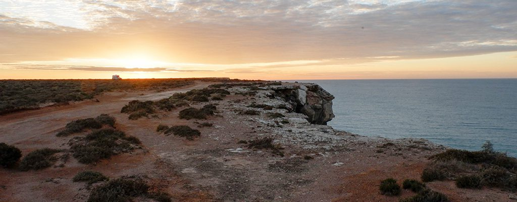 Driving Across The Nullarbor Plain : Everything You'll Ever