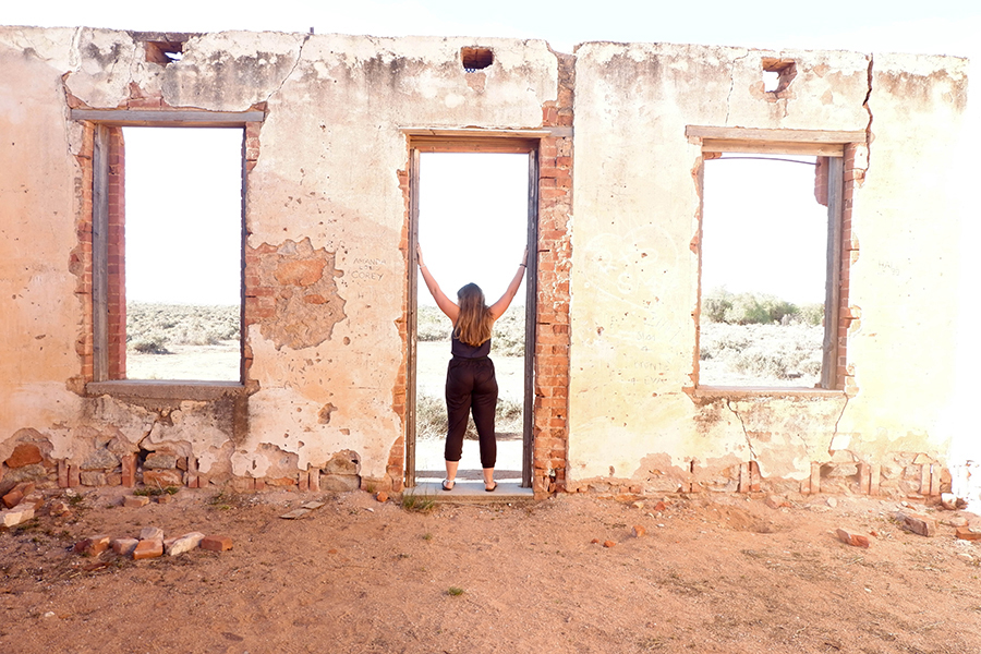 Exploring the abandoned buildings of Silverton